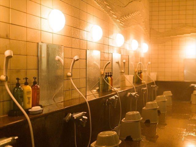 お風呂場の鏡、汚れを落とすには?