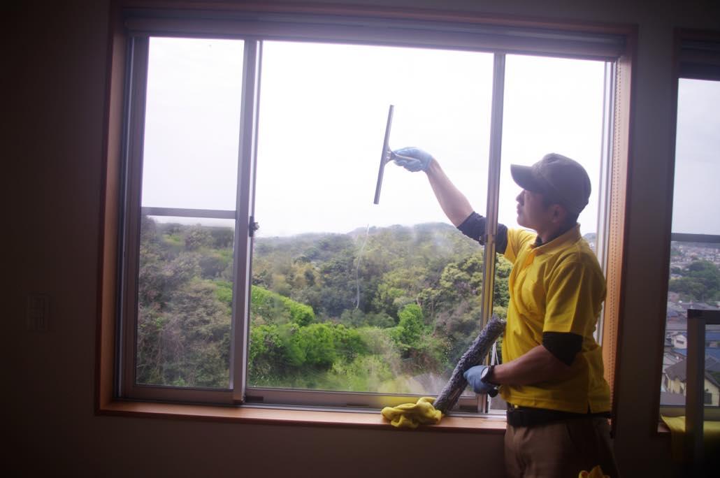 7月のキャンペーンは「ベランダクリーニング+窓ガラス」
