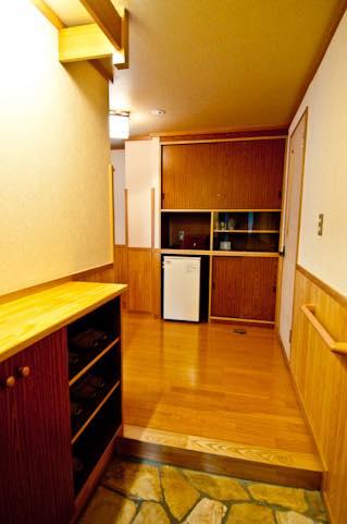 【おそうじコラム】お家の第一印象を決める!いつもキレイな玄関を保つお掃除のコツ