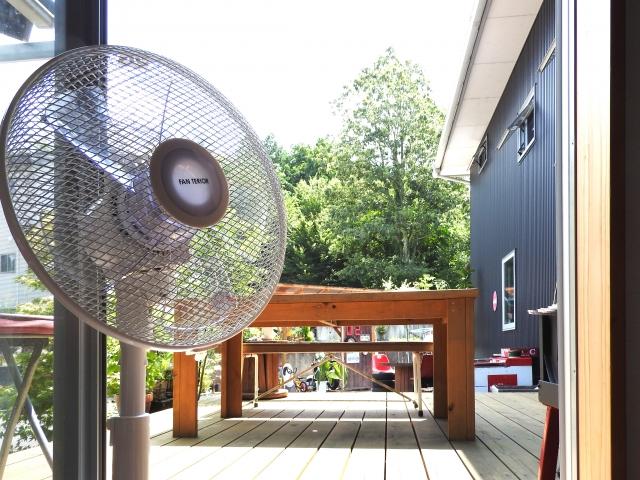 【おそうじマスターズコラム】扇風機の内部に溜まったホコリをキレイにするお掃除術&羽なしタイプのお手入れ方法