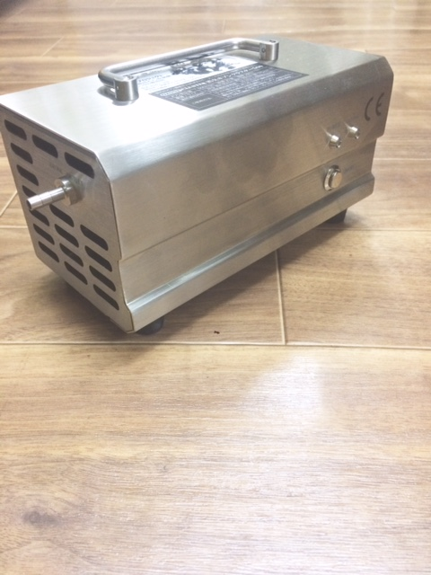 【脱臭・消臭サービス開始】ホテルでも実際に利用している業務用オゾン脱臭機を利用!(2400円~)