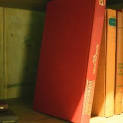 大切なコレクションを守る!本棚・趣味部屋をお掃除するコツ
