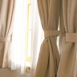 意外と汚れるお部屋の顔。カーテンの清潔を守る洗濯・お掃除の方法