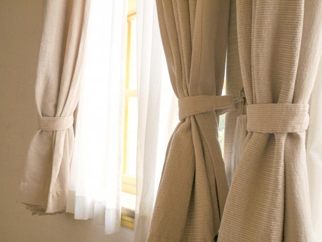 【おそうじマスターズコラム】意外と汚れるお部屋の顔。カーテンの清潔を守る洗濯・お掃除の方法