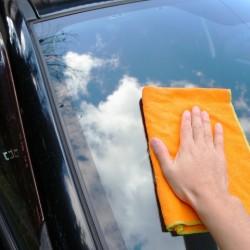 車内の掃除は上からが鉄則!家のお掃除グッズでできる簡単車内清掃