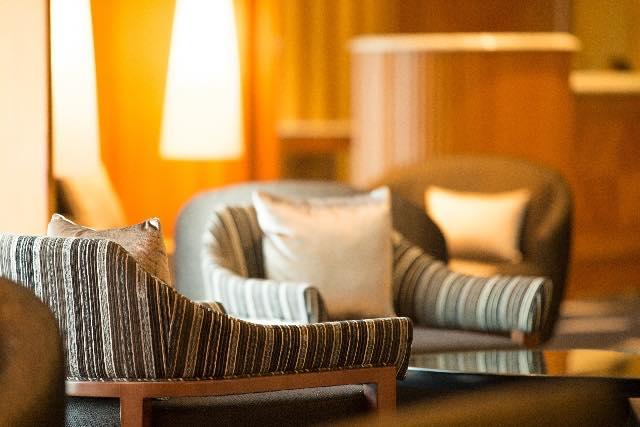 【おそうじコラム】ソファーは素材によって掃除方法が変わる!?おそうじマスターならすべてのソファーに対応できます!