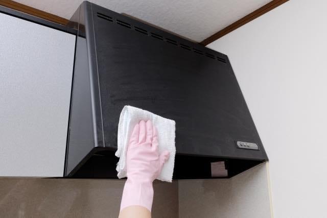 【おそうじマスターズコラム】ハウスクリーニングのプロ直伝!レンジフード(換気扇)のお掃除手順