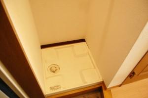 01下水臭の原因!洗濯機の排水口に隠れているカビをごっそり落とす楽チンお掃除テク