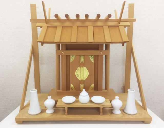 【おそうじマスターズコラム】お仏壇や神棚をキレイに保つ!お掃除で気を付けたい準備とポイント