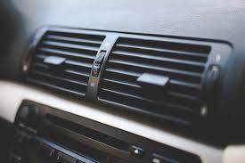 車のエアコンのお手入れ