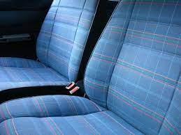 車のシートの掃除